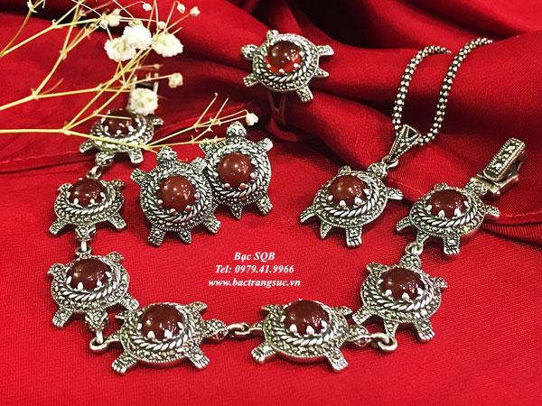 Bộ trang sức rùa đỏ Agate
