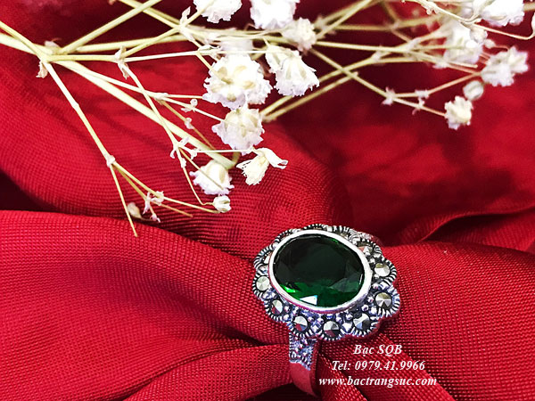 Nhẫn bạc đá xanh đẹp
