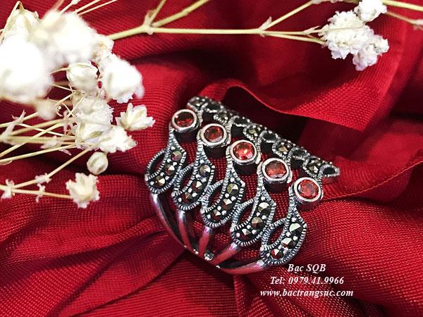 Nhẫn bạc đính đá đỏ 5 hàng Thái Lan
