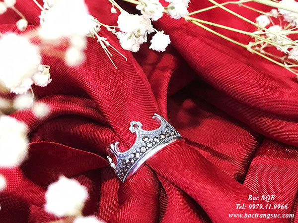 Nhẫn bạc hình vương miện đính đá Thái Lan