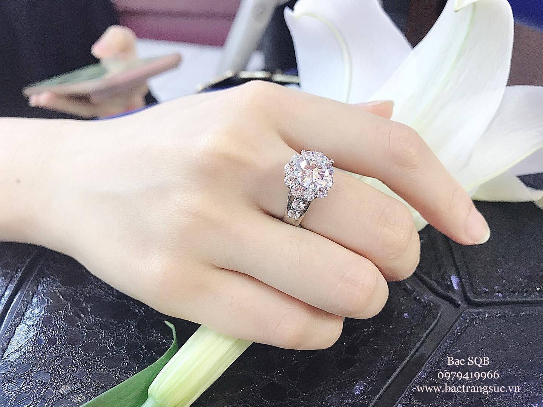 Nhẫn bạc nữ đá cubic sang trọng tinh tế