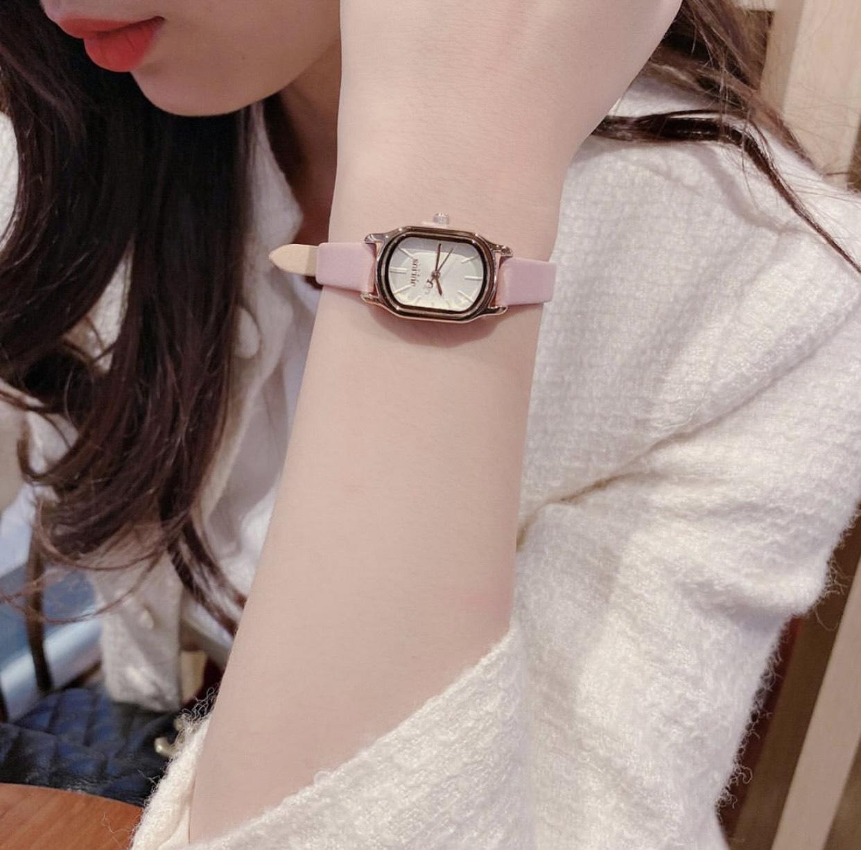 Đồng hồ hàng hiệu Julius hồng phấn mặt oval