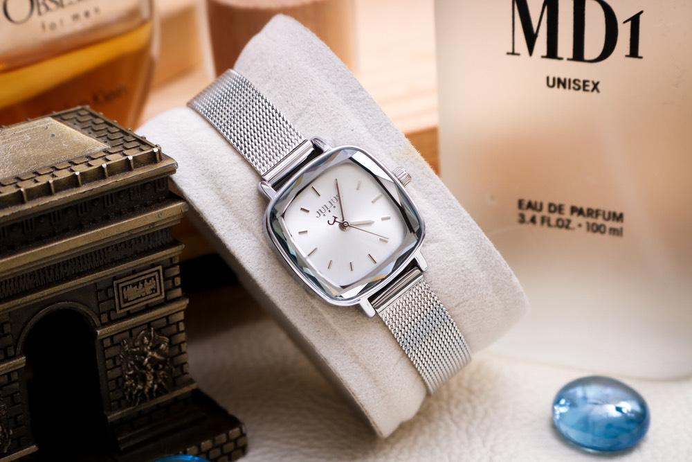 Đồng hồ hãng J.u.l.i.u.s
