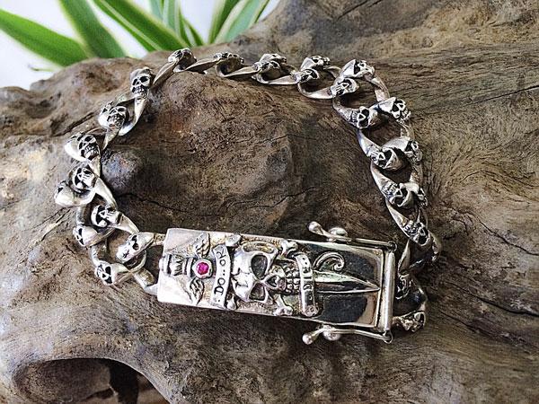 Trang sức bạc Thái sở hữu nét tự nhiên, cá tính.
