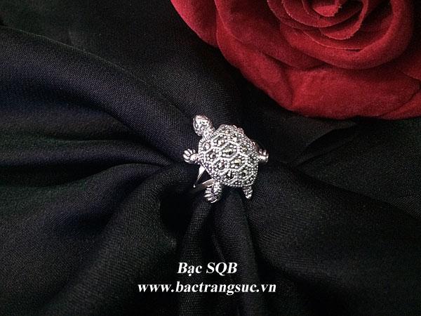 Nhẫn bạc hình rùa đính đá Thái Lan